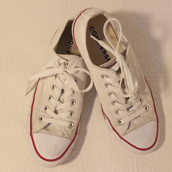 Converse Shoes | All Star White Size 6